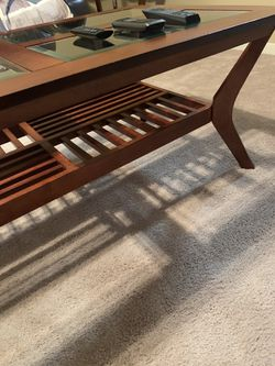 Coffee table good condition. Thumbnail