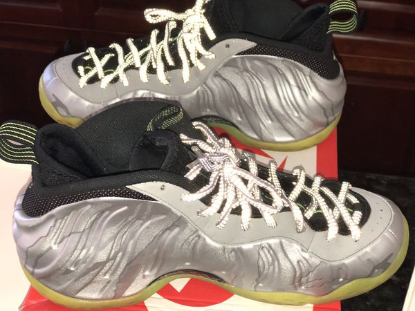 51b7322674e Metallic camo foams size 10.5 condition 9 10 well kept for Sale in ...