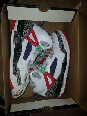 2ca2f2297712 Jordan spizikes White LT PSN GREEN UNIV RED GREEN SIZE 9 for Sale in Denver