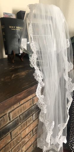 White wedding veil Thumbnail