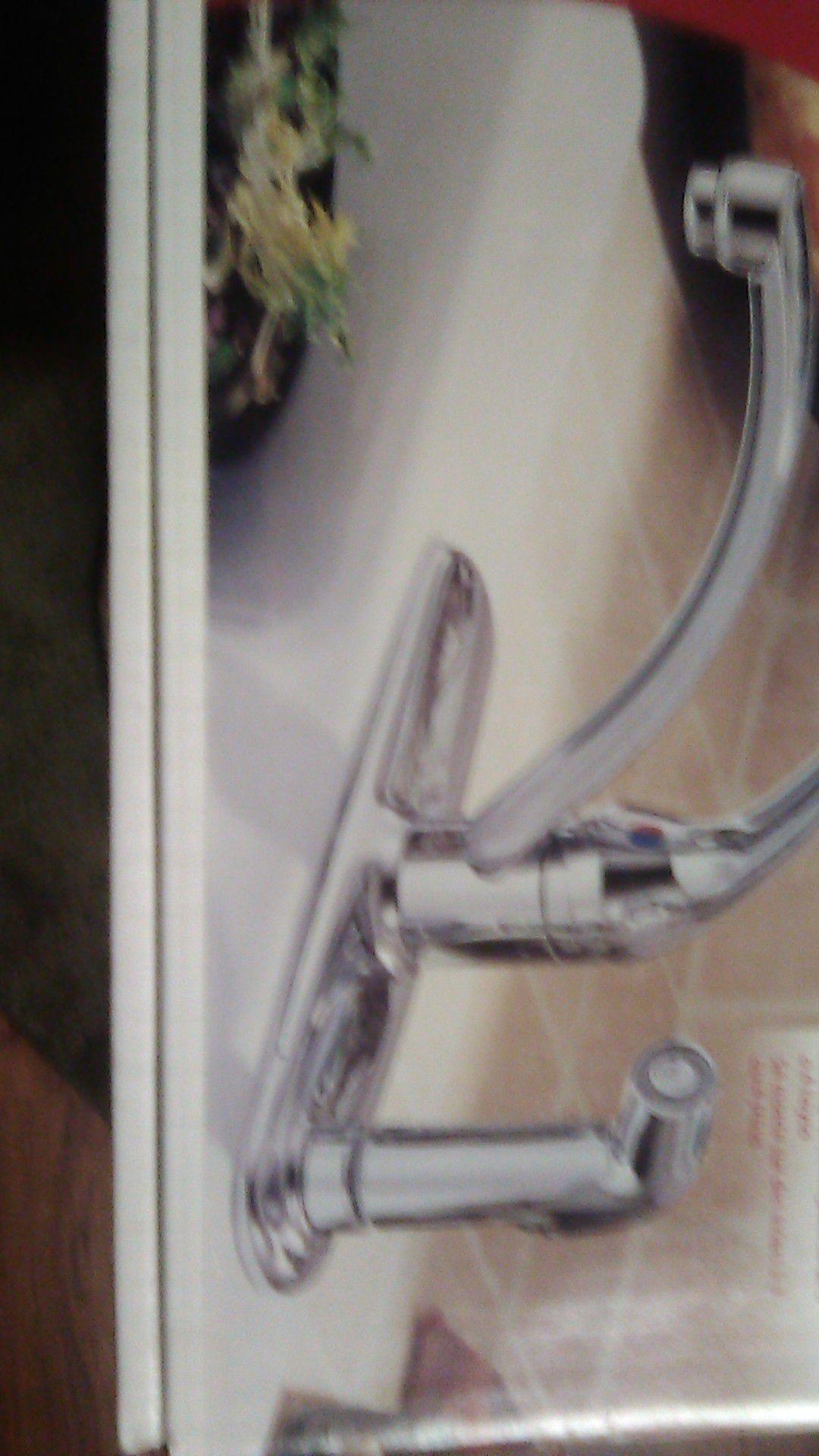 Delta single handle kithen faucet model# 340-wf