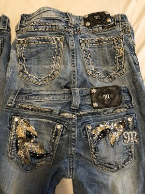 Photo Miss me jeans and rock revivals