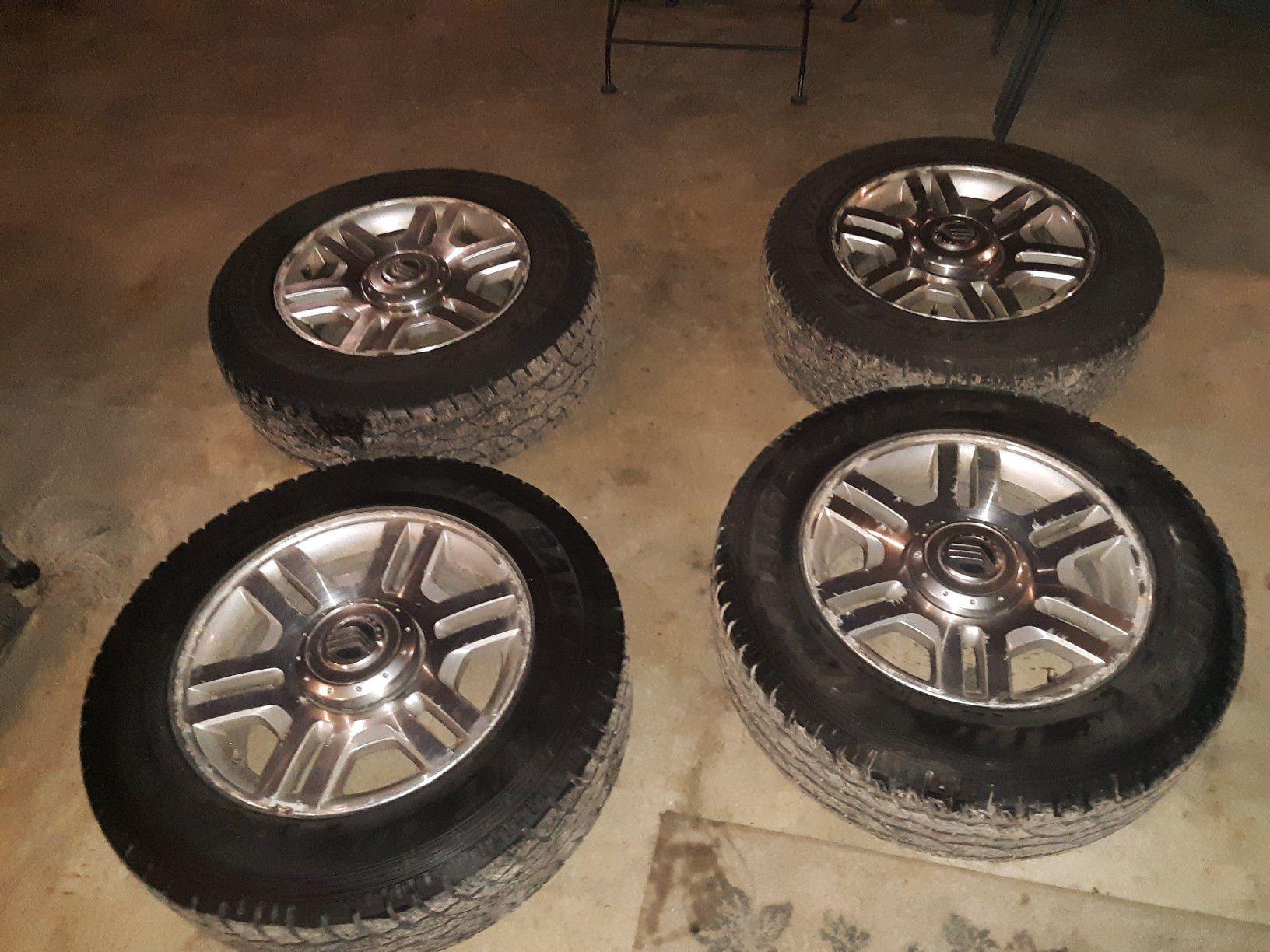 Photo 17 inch tires on mercury mountaineer wheels