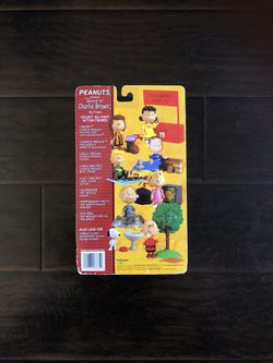 Peanuts Lucy Van Pelt Collectable Figure Thumbnail