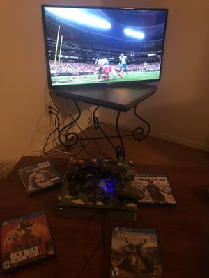PS4 limited edition camo 1 tb console 2 controllers and 5 games for Sale in Ferguson, MO