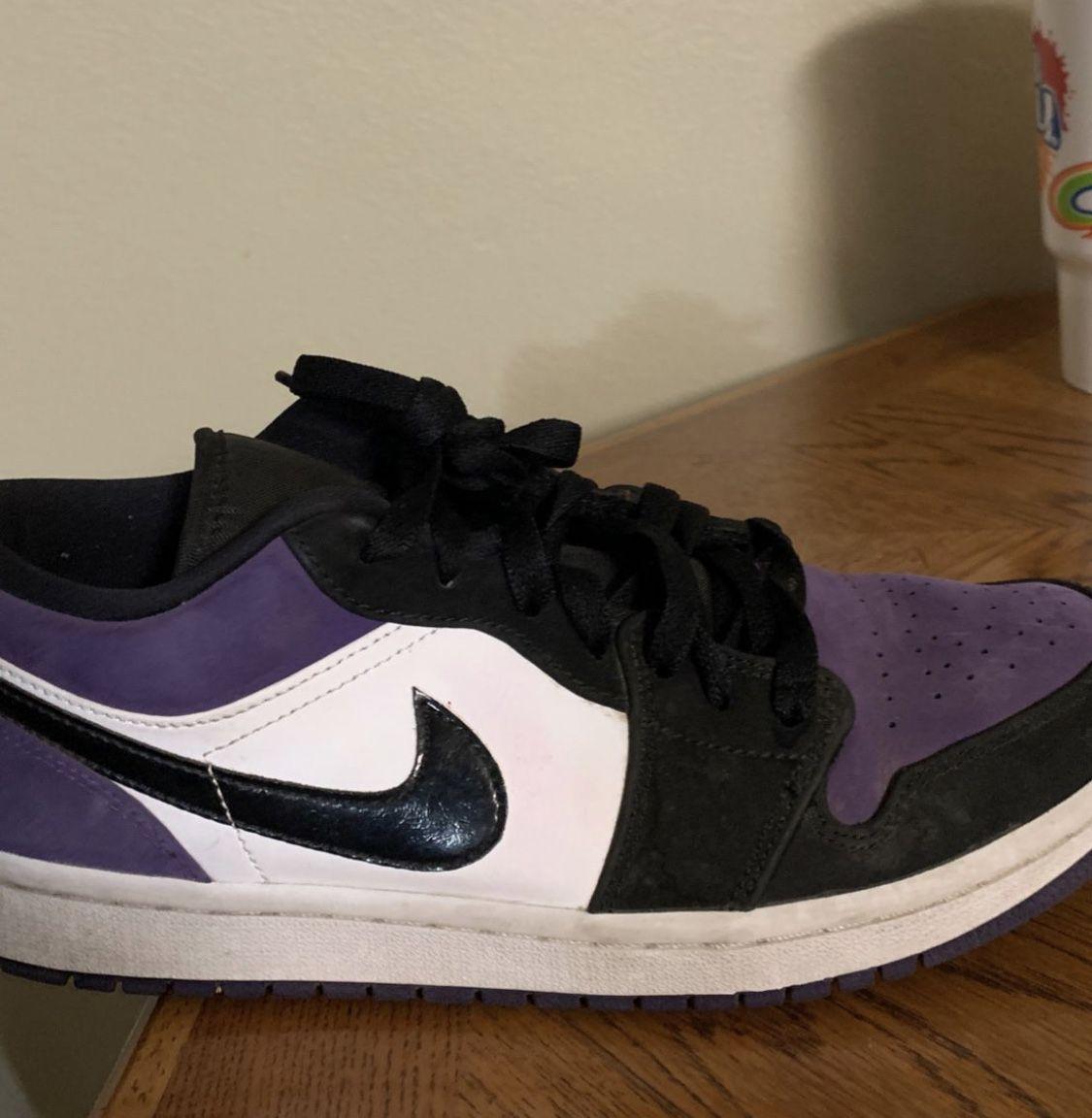 Purple low Court Nike's