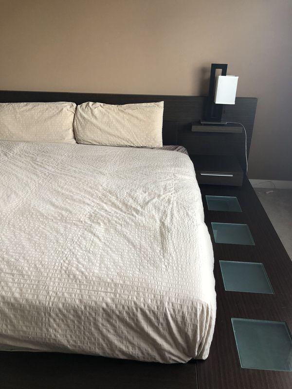 Platform Modern Bedroom Set Cali King