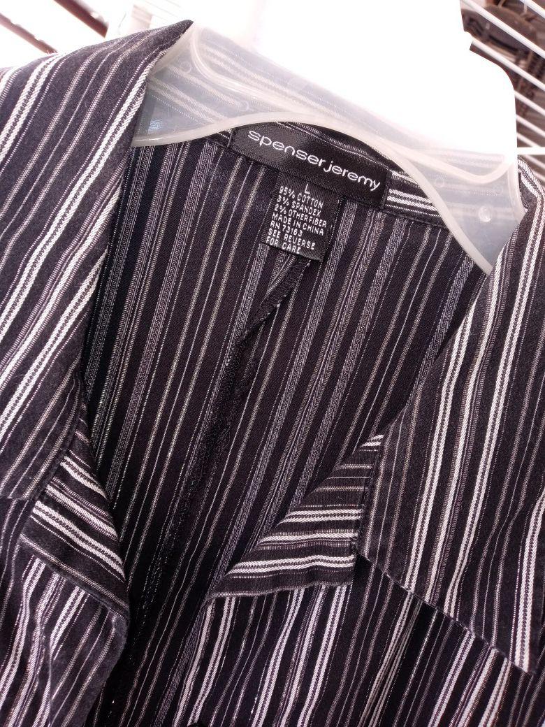 🙂❗Bonita blusa de mujer, usada, negra, talla L❗