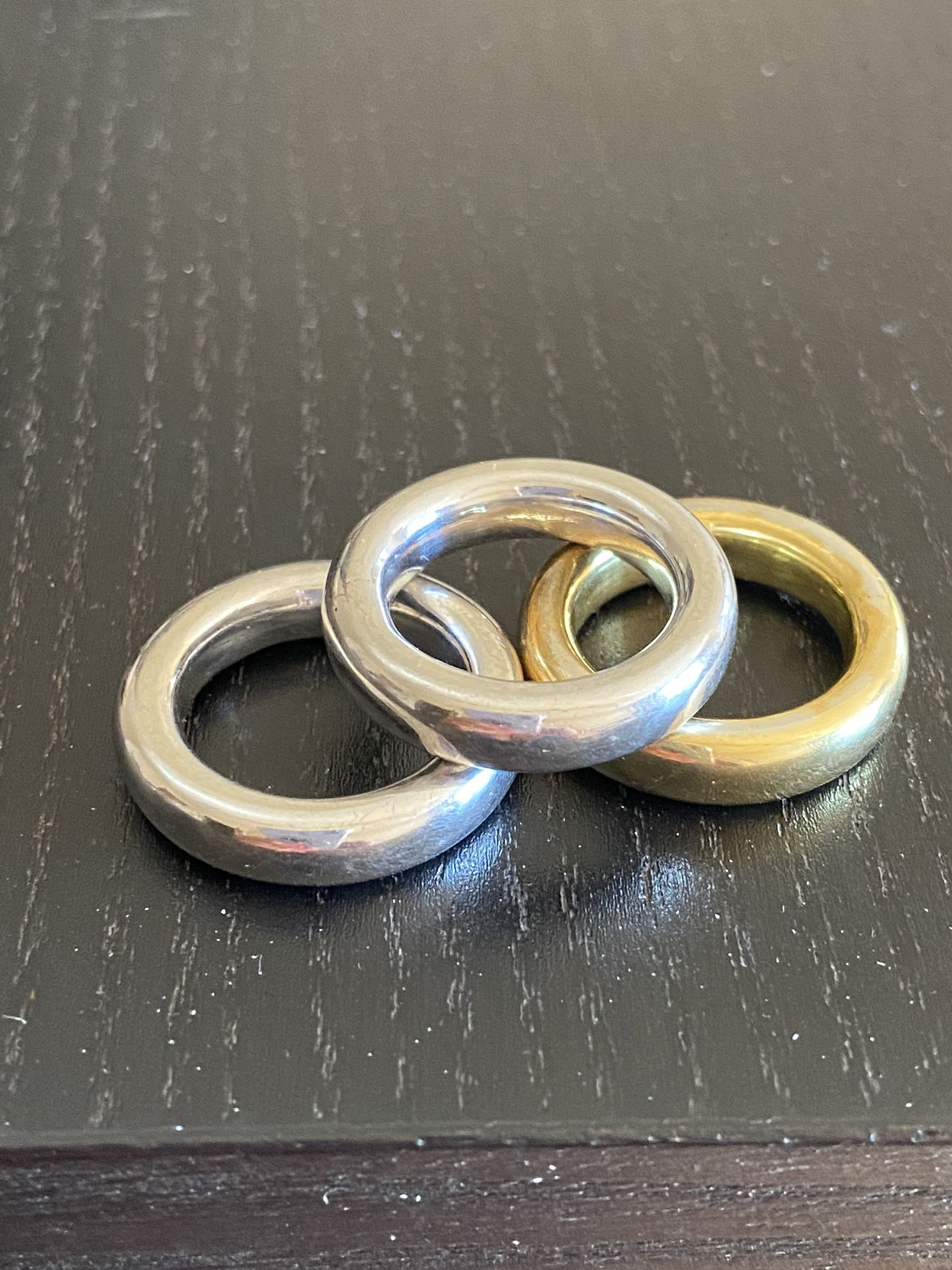 Rings: Sterling silver rhodium plated size 6,25