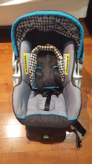 Baby car seat for Sale in Fort Belvoir, VA