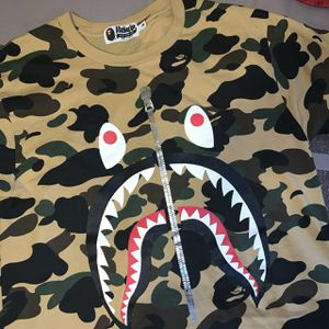bc5ebeb5 BAPE T- SHIRT (First camo shark tee)🦍 for Sale in Simi Valley