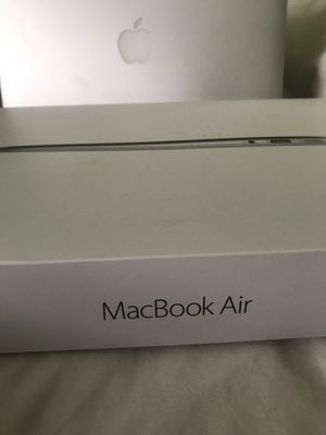 128gb 2018 MacBook Air Comes With Case Negotiable for Sale in Washington, DC
