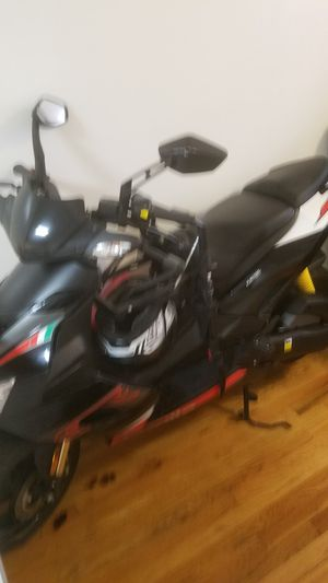 Aprilia scooter for Sale in New York, NY