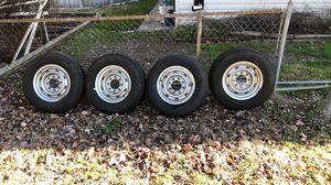 Photo Dodge 8 lug rims and tires