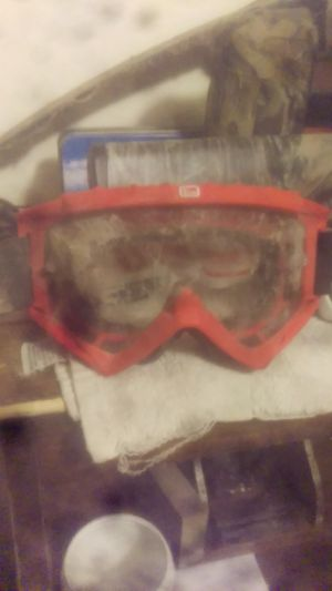 Two pairs of goggles great condition one for snow boarding and dirt bike goggles for Sale in Orangeville, UT