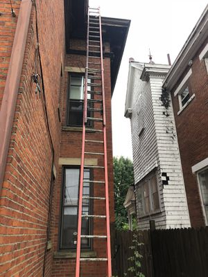 Louisville 40 foot fiberglass ladder for Sale in Columbus, OH