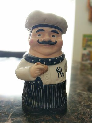 2004 MLB New York baseball Yankees cookie jar, for Sale in Laveen Village, AZ