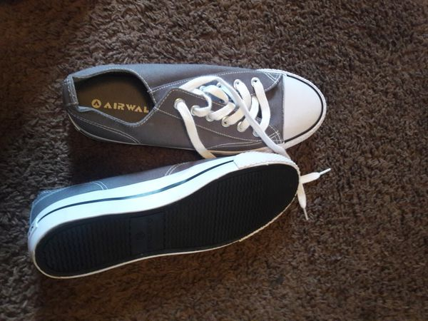 35a188924c27 Air walk shoes brand new for Sale in West Lafayette