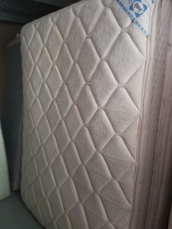Sealy Posturepedic Queen Size Mattress And Boxspring Furniture In Greensboro Nc Offerup