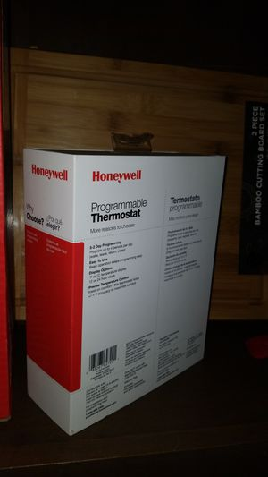 Honeywell RTH2300B Programmable Thermostat for Sale in Phoenix, AZ