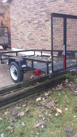 5x8 Trailer from Lowes for Sale in Ballwin, MO