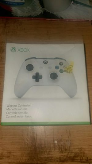 WIRELESS MICROSOFT XBOX ONE CONTROLLER (BRAND NEW) for Sale in Chicago, IL