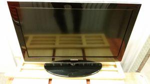 SAMSUNG LA32E420 32 INCH 720P MULTI SYSTEM LCD TV FOR 110-220 VOLTS $150 for Sale in Seattle, WA