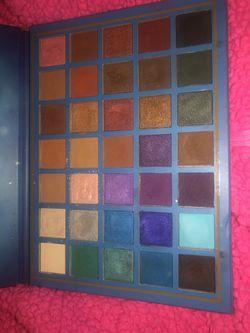 Elsa eyeshadow palette Thumbnail