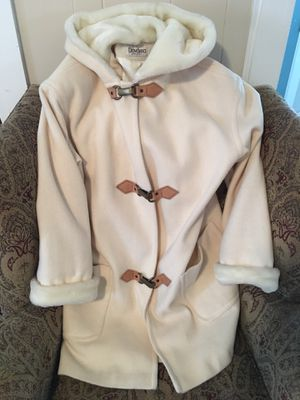 Beautiful winter coat (Pending) for Sale in Frederick, MD