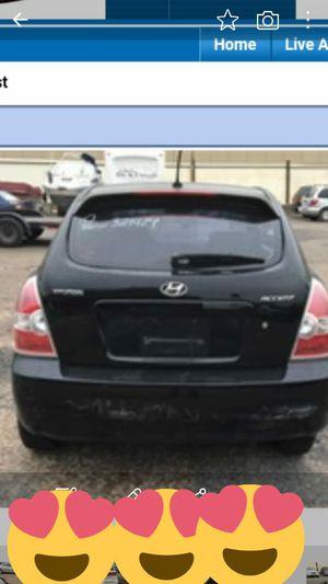 Vendo Hyundai accent 2011 carro en buen estado todo en funcion for Sale in Oxon Hill, MD