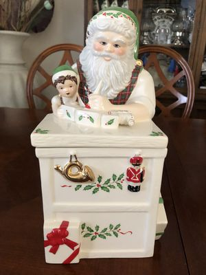 Lenox for the Holidays Santa's Holiday Toy Shop Workbench Cookie Jar for Sale in Casselberry, FL