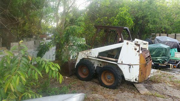 Bobcat 743b Business Equipment In Parkland Fl Offerup
