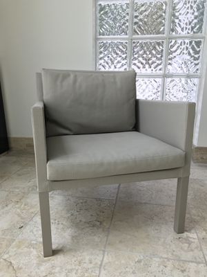 2 OUTDOOR CHAIRS MIYO for Sale in Miami, FL