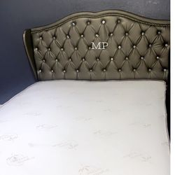 Queen Bed 🛌 With Mattress/// Financing Available Thumbnail