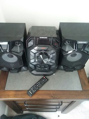 Samsung home theater stereo system for Sale in Germantown, MD