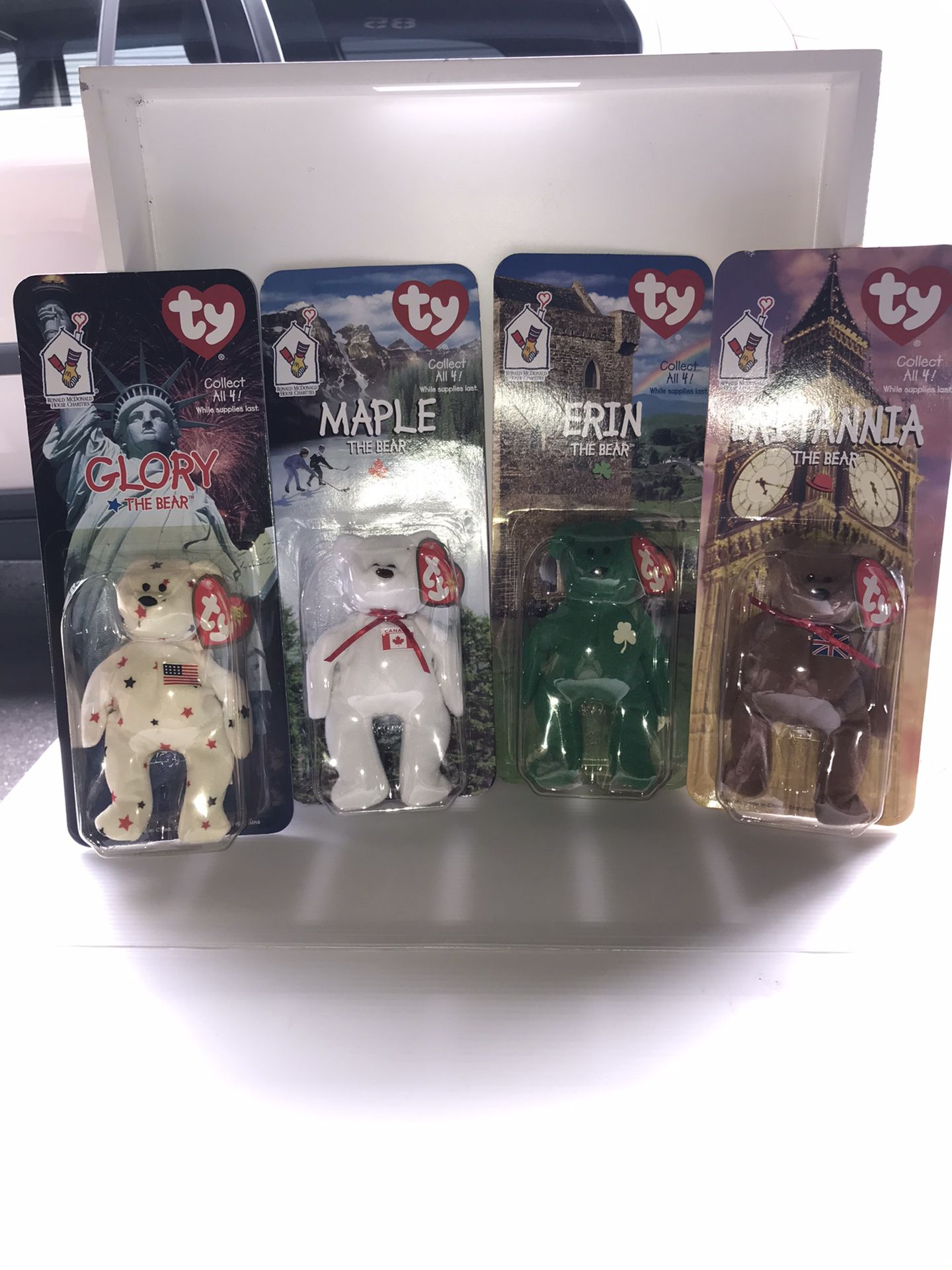 McDonald's 1999 Beanie Babies set International  Bear Collection  Some with tag errors