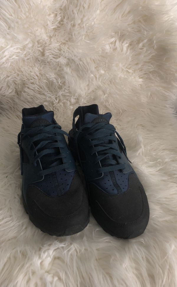the best attitude 7a8f3 8f39d Men's Blue/Black Nike Huaraches for Sale in Omaha, NE - OfferUp