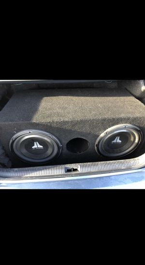 "Photo 2 12"" JL Audio Subs with 600 Watt Alpine Amp"