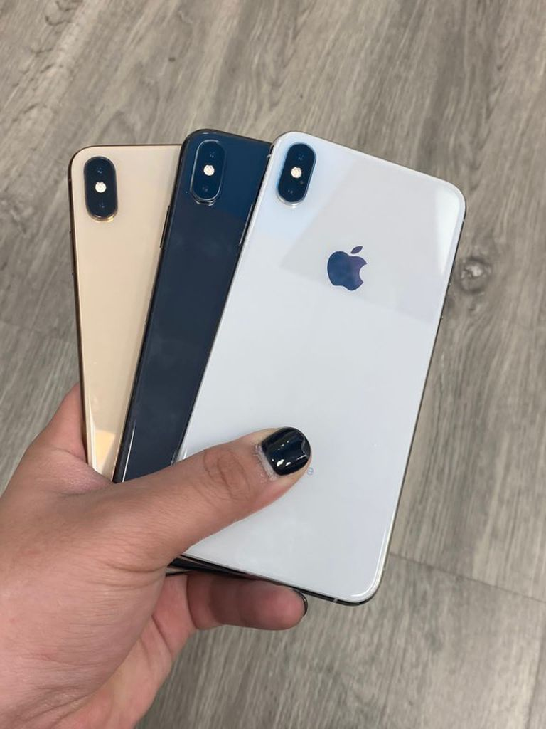 Apple iPhone XS Unlocked For all Carriers