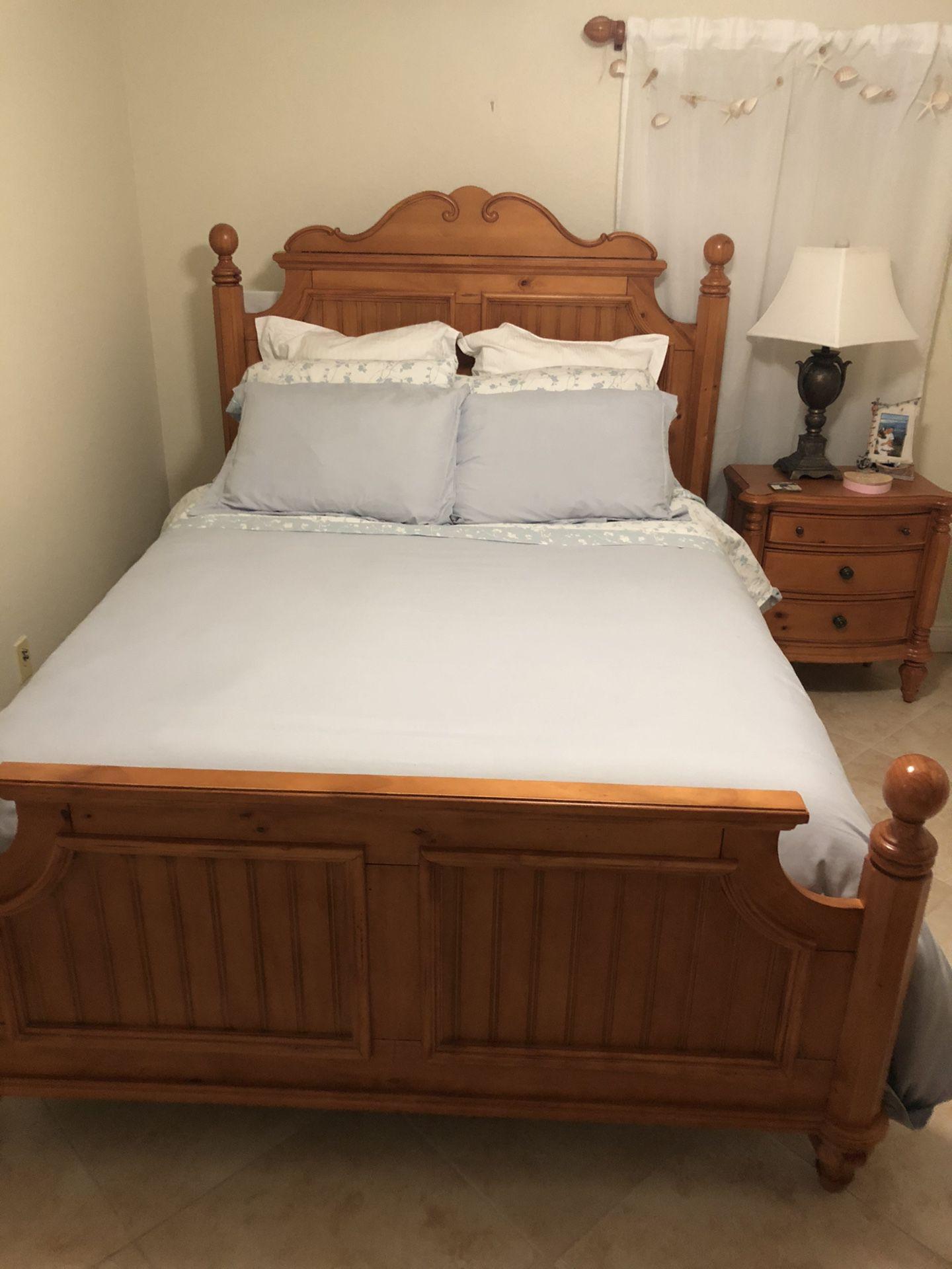 Queen bed,