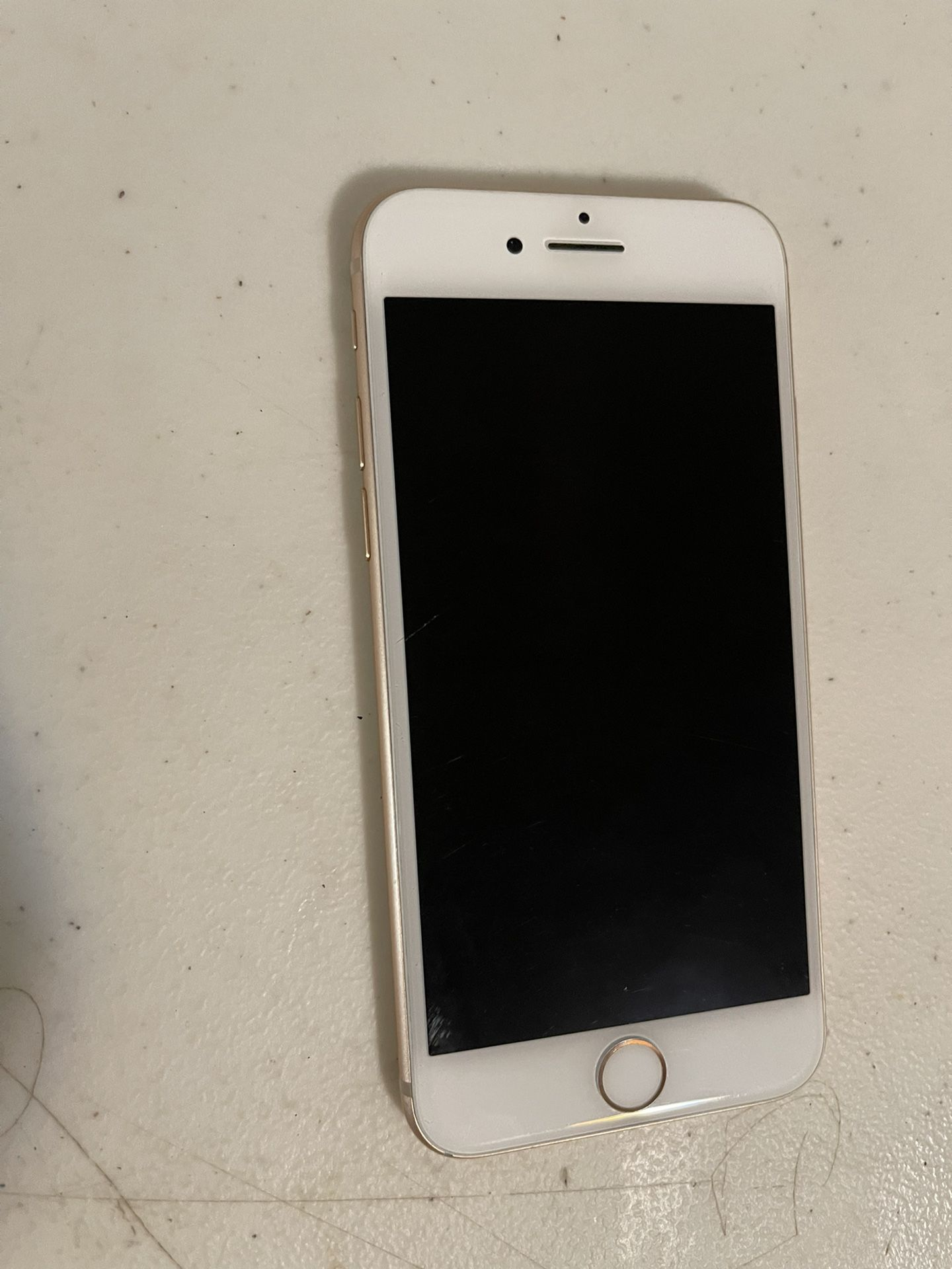 Apple iPhone 8 64 GB UNLOCKED. Color gold. Work very well. Perfect condition