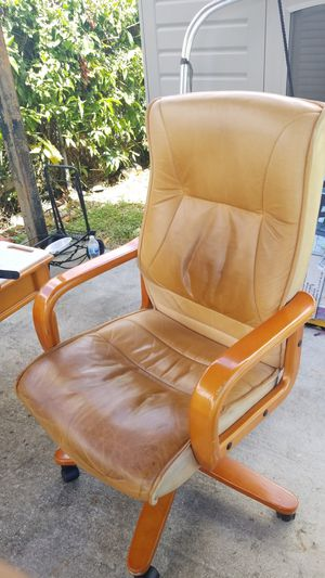 Desk chair for Sale in Homestead, FL