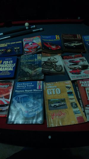 Maintenance Manuals Cars/Motorcycle for Sale in Windcrest, TX