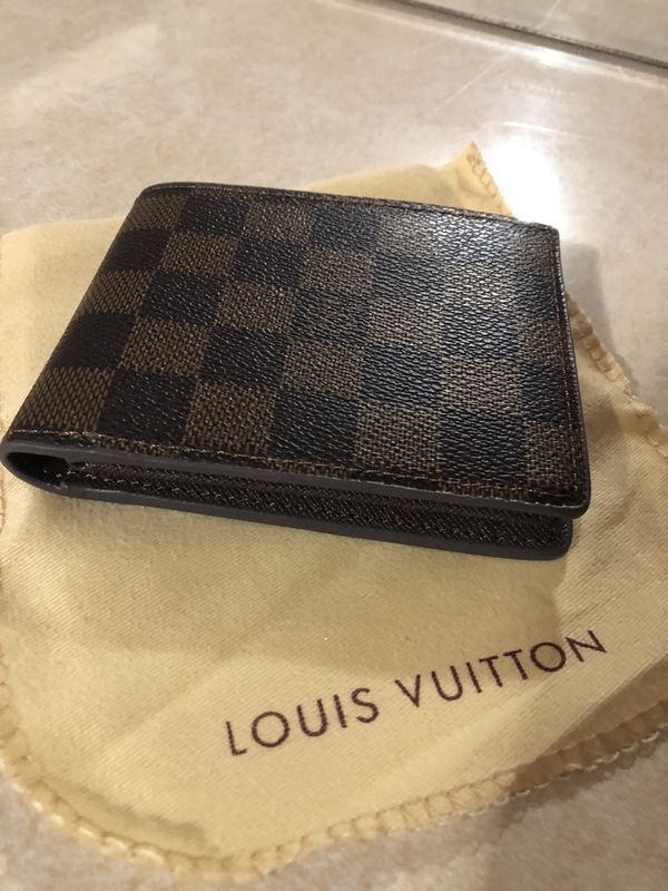 986661445477 Louis Vuitton men s wallet for Sale in Fall River