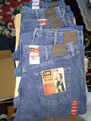 Photo 5 pairs New Lee Relaxed Fit Jeans