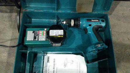 Makita drill set Thumbnail