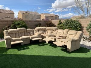 Photo EXCELLENT CONDITION BEAUTIFUL 3 PIECE RECLINERS SECTIONAL-ASHLEY FURNITURE ( FREE DELIVERY 🚚 FIRM PRICE $1000 ) GREAT CONDITION 👌🏻 LIKE NEW