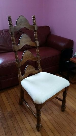 CHAIR GOOD CONDITION SOLID WOOD for Sale in Springfield, VA