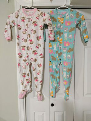 Girls fleece pajama set by Carters, Size 4T for Sale in Sterling, VA