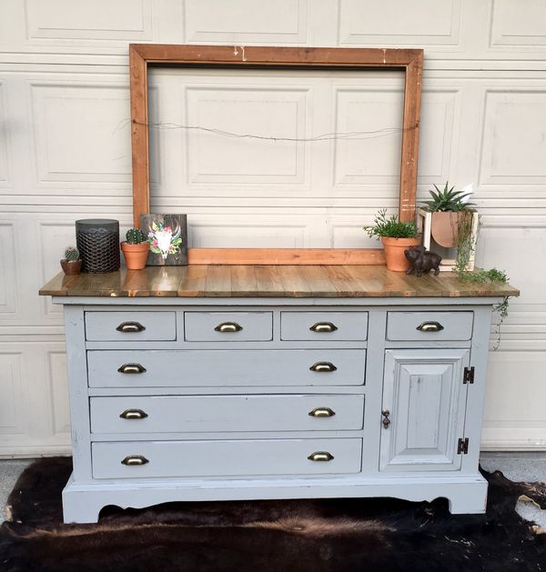 Gorgeous Farmhouse Buffet Dresser For Sale In Aurora OR